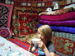 Grigorjevskoe Schlucht Issuk Kul Kirgistan by Birgit Strauch Shiatsu ThetaHealing
