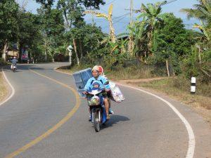 Thailand Grenze Laos Scooter Bo Kluea Thailand by Birgit Strauch Shiatsu & Bewusstseinscoaching