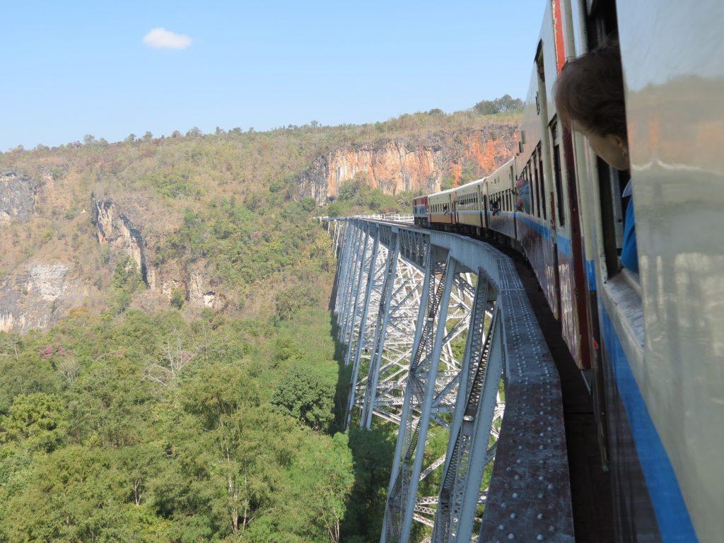 Eisenbahnbrücke Hsipaw Myanmar by Birgit Strauch Shiatsu & Bewusstseinscoaching