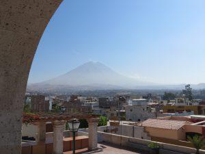 Vulkan Misti Arequipa Orange Enjoy Hostel Calle Zela by Birgit Strauch Shiatsu Bewusstseinscoaching
