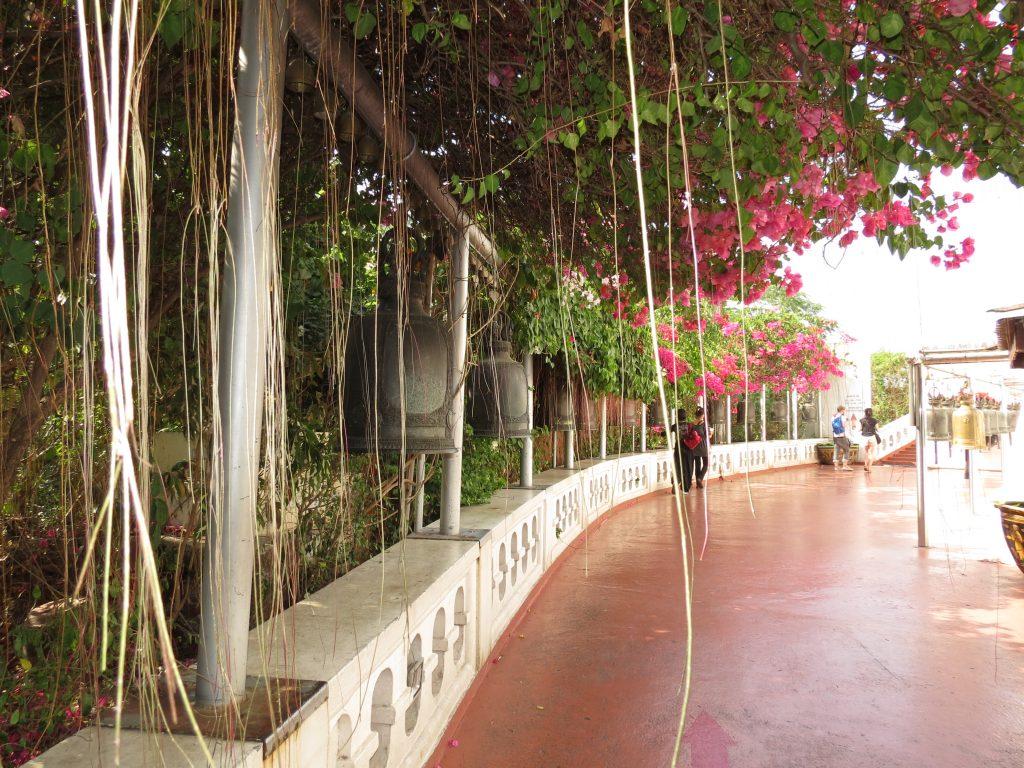 Golden Mountain Tempel Bangkok by Birgit Strauch Thaimassage & Bewusstseinscoaching