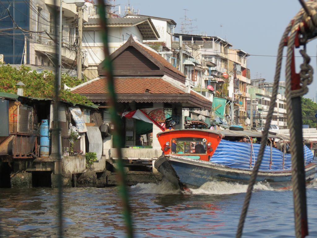 Expressboot Phra Arthit Pier Bangkok Rambuttri Road by Birgit Strauch Shiatsu & Bewusstseinscoaching