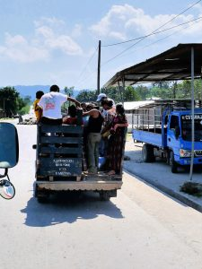Fähre Bus Fahrt Chisec Guatemala by Birgit Strauch Shiatsu & Bewusstseinscoaching