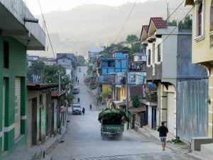 Bus Barillas in Guatemala by Birgit Strauch Shiatsu & Bewusstseinscoaching