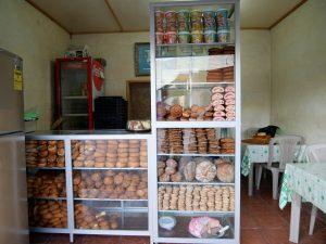 Brot Bus Bahnhof Barillas Guatemala by Birgit Strauch Shiatsu & Bewusstseinscoaching
