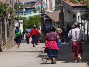 Markt Wandern in Todos Santos Cuchamatan Guatemala by Birgit Strauch Shiatsu & Bewusstseinscoaching