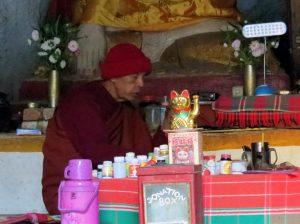 Höhle Mönch Nyaung Shwe Inle Lake Myanmar by Birgit Strauch Shiatsu & Bewusstseinscoaching