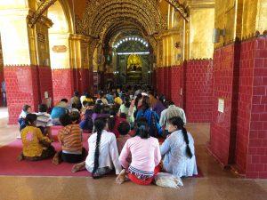 Goldplättchen Mahamuni Pagode Bodhi Tree Mandalay Burma by Birgit Strauch Bewusstwandlerin Bewusstseinscoaching