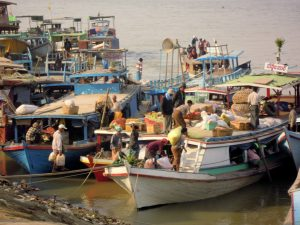 Patenkind Mandalay Hafen Myanmar by Birgit Strauch Shiatsu & Bewusstseinscoaching
