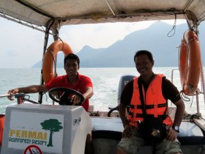 Qualle Bootstour Santubong Nationalpark Borneo by Birgit Strauch Shiatsu & Bewusstseinscoaching