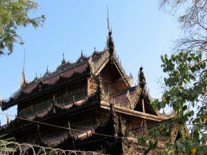 Holz Monastry Mandalay by Birgit Strauch Bewusstseinscoaching & Shiatsu