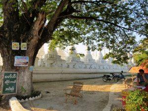 Kuthodaw Pagode Mandalay by Birgit Strauch Bewusstseinscoaching & Shiatsu
