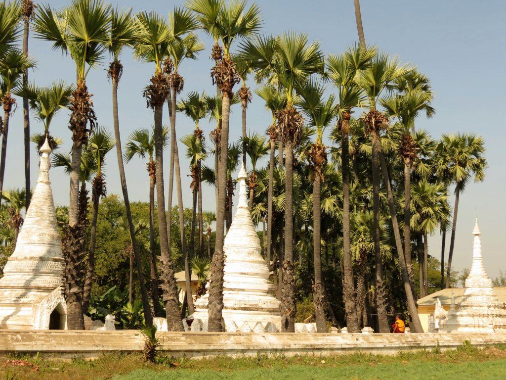 Bagaya Kyaung Kloster Inwa Pferdekutsche by Birgit Strauch Bewusstseinscoaching & Shiatsu