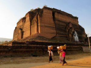 Pa Hto Taw Gyi Tempel Mingun Irrawaddy Myanmar by Birgit Strauch Shiatsu & Bewusstseinscoaching