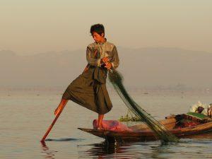 Inle Lake Einbeinruderer Myanmar by Birgit Strauch Shiatsu & Bewusstseinscoaching