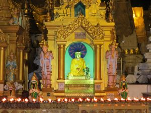 Shwedagon Pagode Myanmar by Birgit Strauch Bewusstseinscoaching & ShiatsuShwedagon Pagode Myanmar by Birgit Strauch Bewusstseinscoaching & Shiatsu