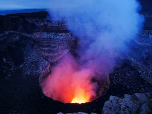 Die glühende Lawa des Vulkan Massaya Nicaragua by birgit Strauch Shiatsu & Bewusstseinscoaching