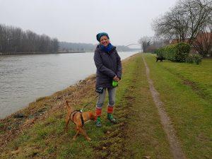 Mit Arya am Mittellandkanal by Birgit Strauch