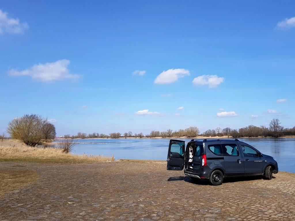 Minicamper Elbe bei Tangermünde by Birgit Strauch Bewusstseinscoaching