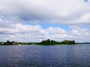 Dacia Dokker Minicamper Tour zur Wasserburg in Trakai in Litauen by Birgit Strauch