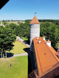 Dacia Dokker Minicamper Tour zum Schloss Pilis in Litauen by Birgit Strauch