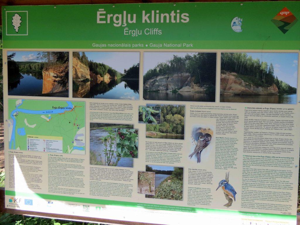 Mit dem Minicamper in den Gauja Nationalpark, Erglu Felsen by Birgit Strauch