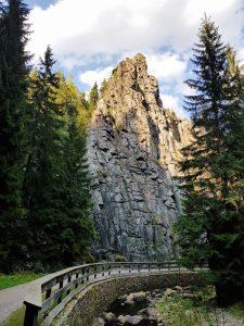 Nonnenfelsen und Teufelsmauer im Schwarzwassertal Erzgebirge by Birgit Strauch