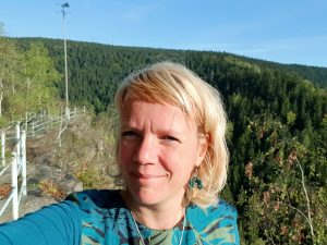 Wanderung zum Katzenstein im Schwarzwassertal im Erzgebirge by Birgit Strauch