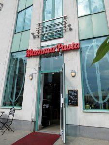 Minicamper Tour zu Mamma Pasta in Riga by Birgit Strauch