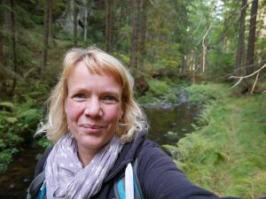 Trampelpfad an der Kirnitzsch entlang nach Khaa Böhmische Schweiz by Birgit Strauch