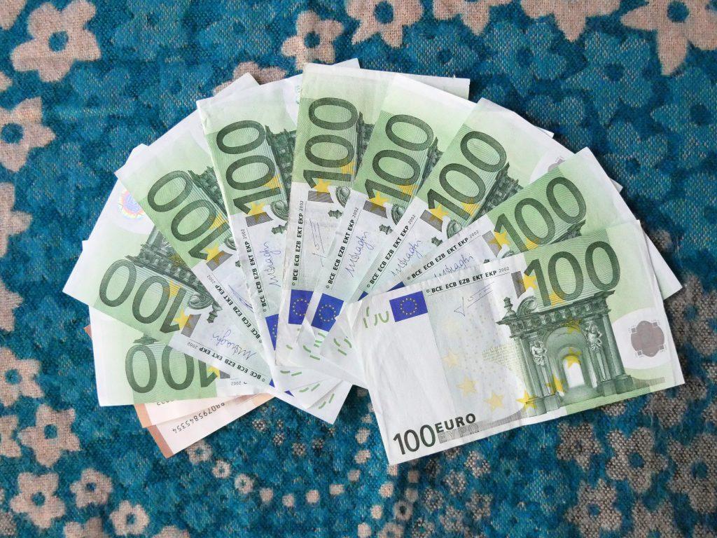 1000 € by Birgit Strauch
