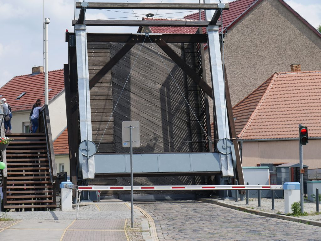 Zugbrücke von Storkow by Birgit Strauch