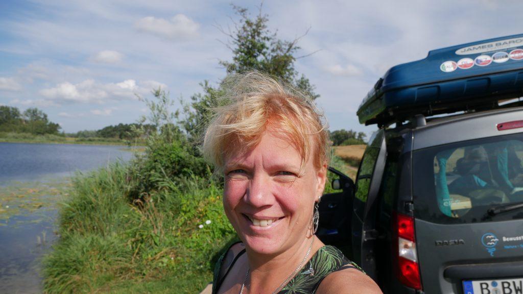Einsame Badestelle am Dobberziner See by Birgit Strauch