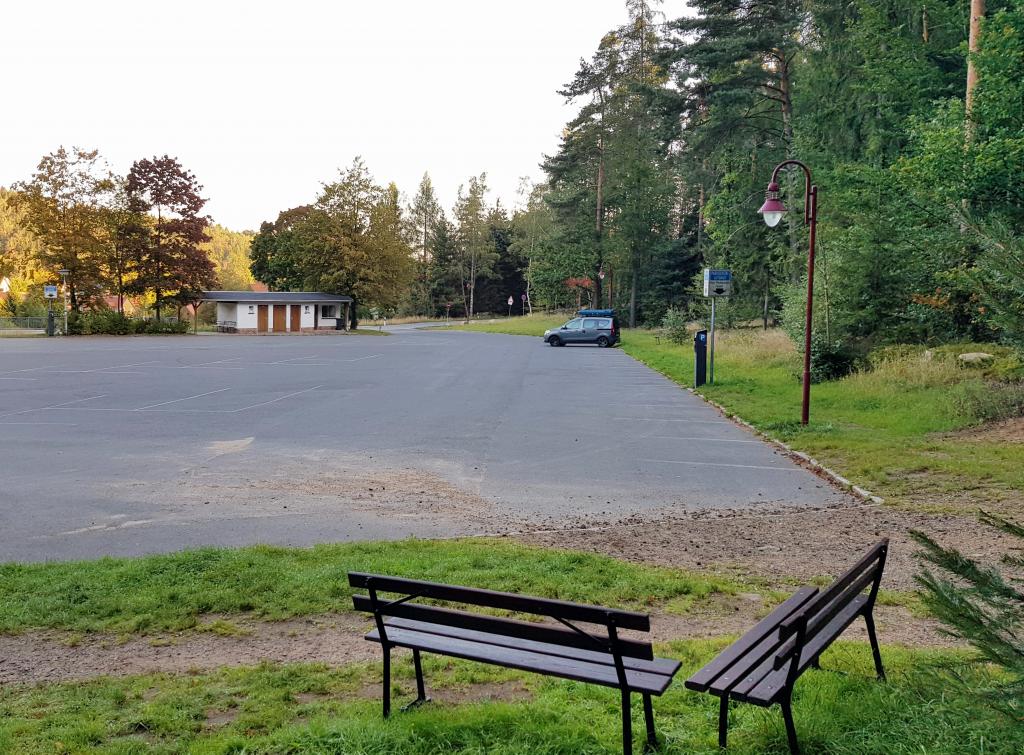 Parkplatz Felsenstadt Johnsdorf by Birgit Strauch