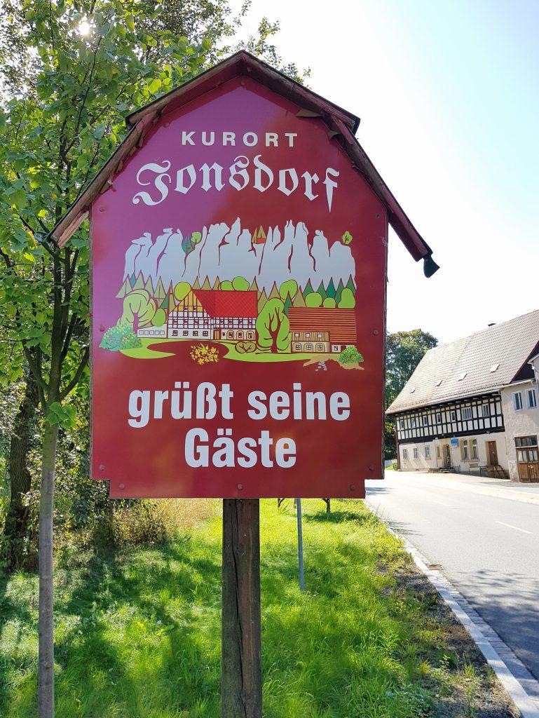 Auf den Nonnenfelsen bei Johnsdorf by Birgit Strauch