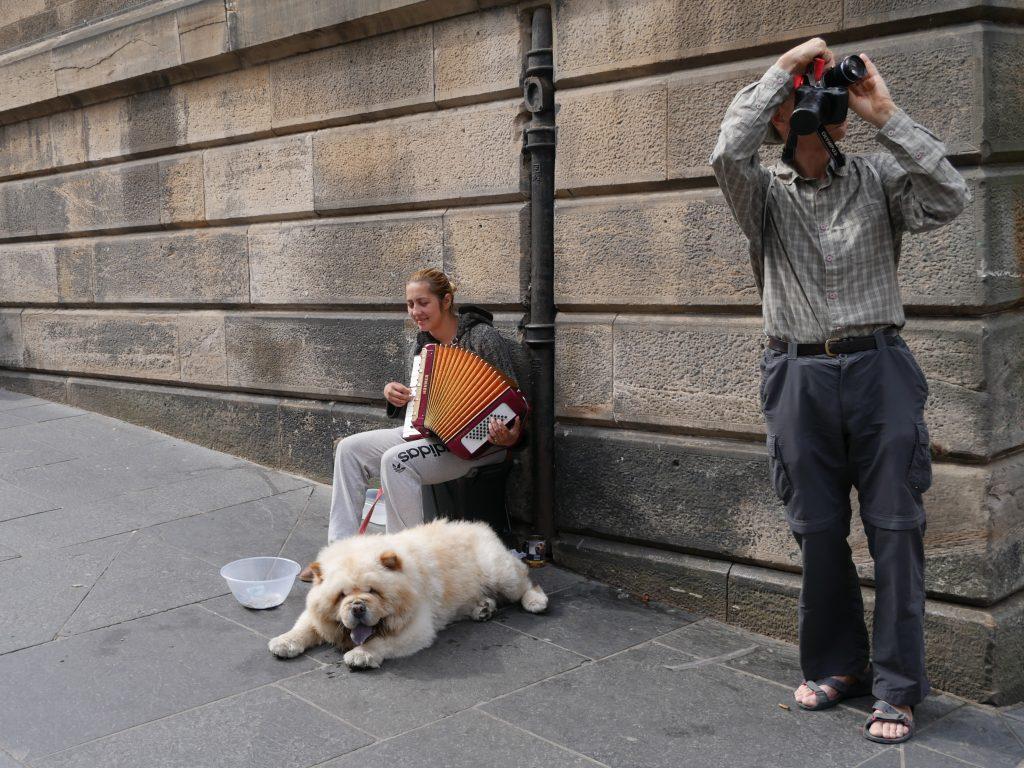 Edinburgh mit Hund by Birgit Strauch
