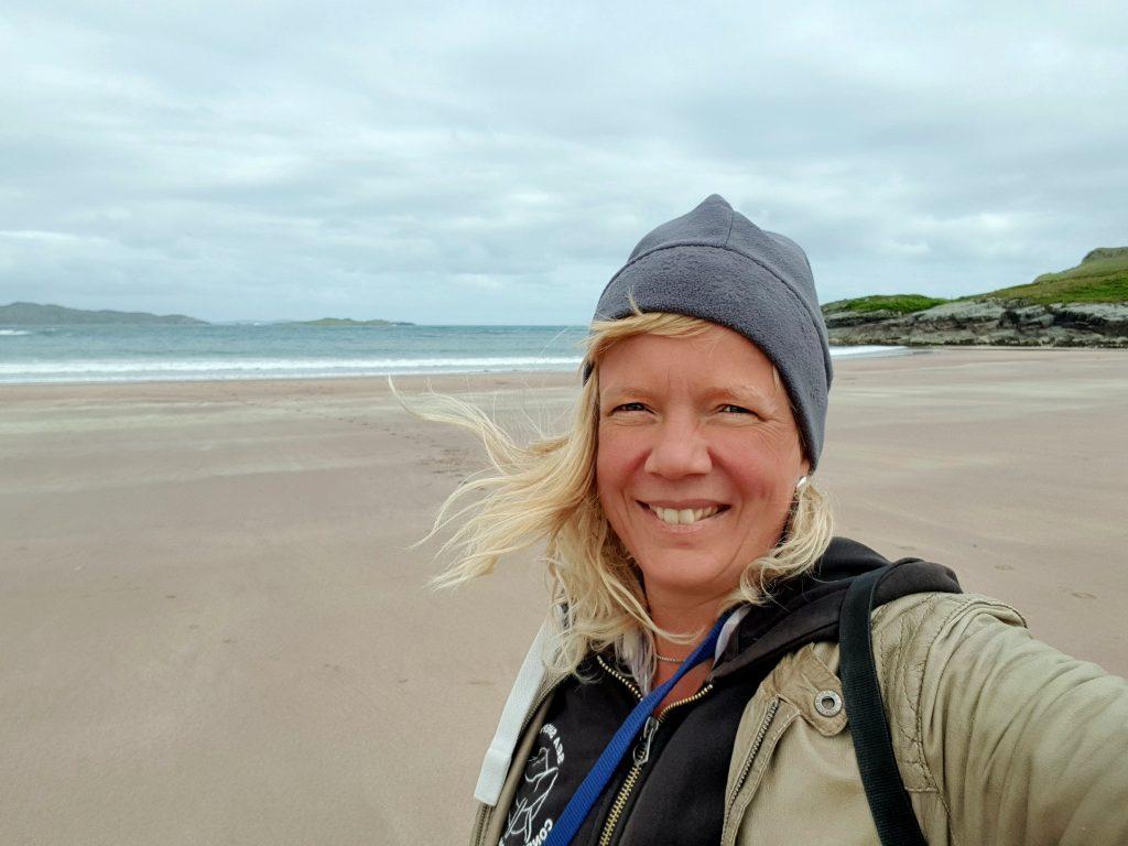 Dokker Camper am Clashnessie Beach by Birgit Strauch