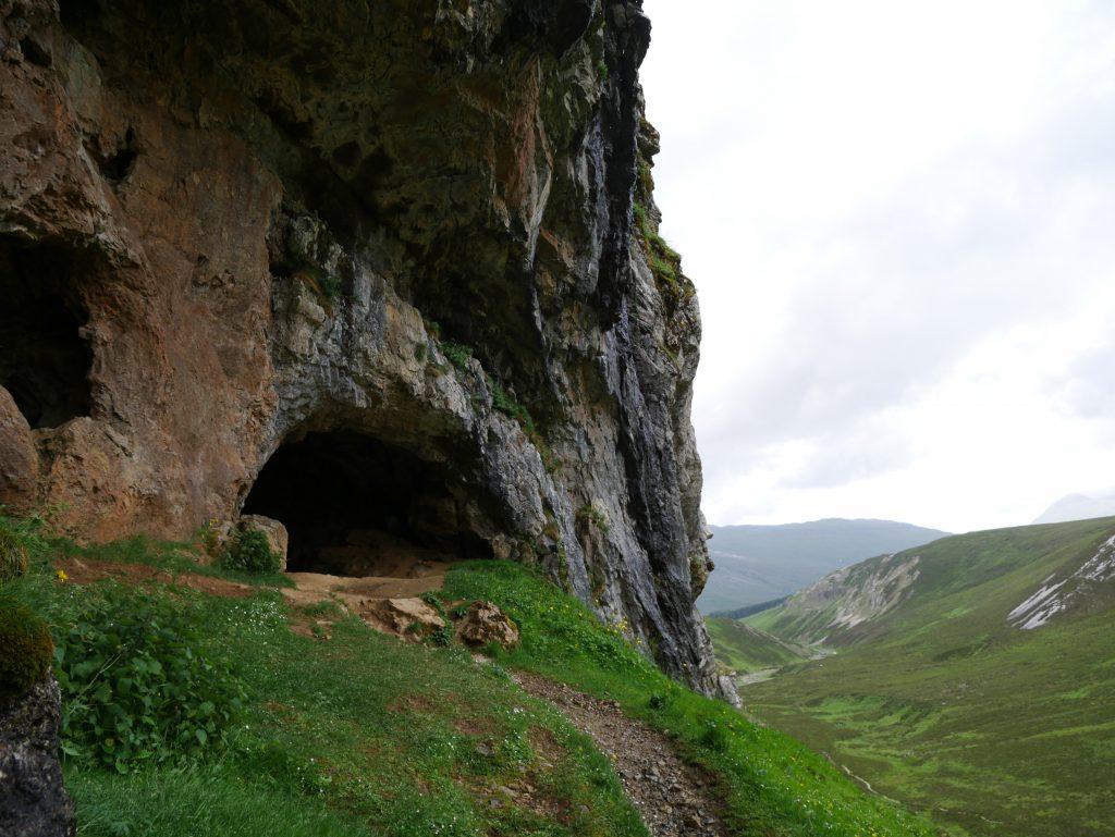 Wanderung zur Knochenhöhle by Birgit Strauch