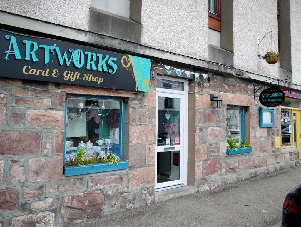 Shopping in Ullapool by Birgit Strauch
